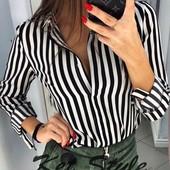 Блузки і сорочки різні модельки і кольори.