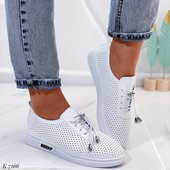 Женские кроссовки, распродажа склада