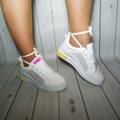 Красивые женские кроссовки, удобная и лёгкая модель