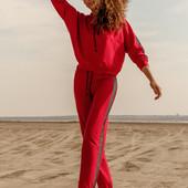 Спортивний одяг для жінок. Доставка від 500 грн. безкоштовна