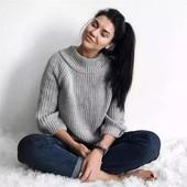 Вязаный свитер открытые плечи хит